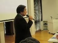 開会挨拶される川添 東北 NEDIA 代表