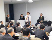 会場からのコメントに答える上田氏